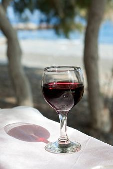 Free Glass Of Red Wine Royalty Free Stock Photos - 29574028