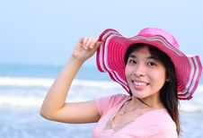 Free Beautiful Asian Woman Relaxation On Beach With Hat Royalty Free Stock Photo - 29594825