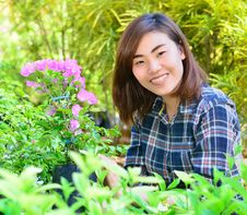 Free Beautiful Asian Women In Flowers Garden Stock Photography - 29594892