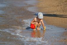 Free Small Boy On The Beach Stock Image - 2965171