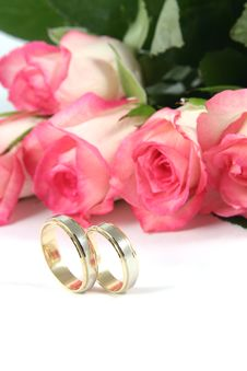 Free Wedding Rings And Roses Stock Photo - 2965490