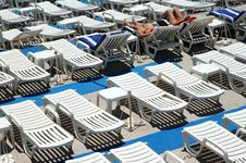 Free Chaise Longues On The Beach Royalty Free Stock Image - 2965786