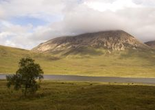 Free Scottish Mountain Royalty Free Stock Photography - 2967057