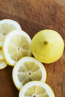 Free Sliced Lemons Royalty Free Stock Photo - 2968125