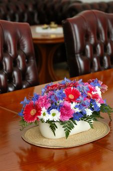 Free Flower Table Decoration Stock Photos - 2969723
