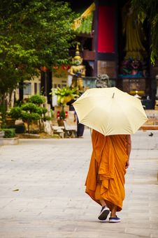 Free Buddhist Monk Royalty Free Stock Photo - 29607925