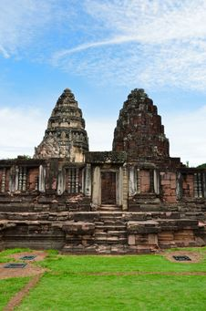 Free Phimai Historical Park, Nakhon Ratchasima Province, Thailand Royalty Free Stock Photography - 29615767
