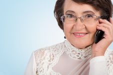 Free Senior Woman Talking On Mobile Phone Royalty Free Stock Image - 29617106