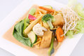 Free Hokkien Noodles With Red Curry Sauce And Fresh Vegetables Royalty Free Stock Photos - 29623108