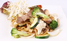 Free Flat Rice Noodle Stir Fried With Oyster Sauce And Fresh Vegetabl Stock Images - 29622904