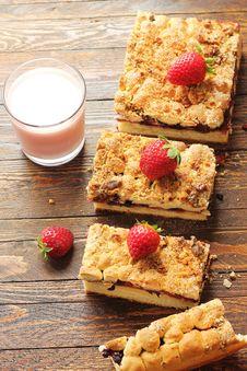 Free Berries Pirogue Stock Photo - 29633740