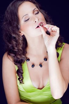 Free Beautiful Brunette Enjoys The Chocolate Royalty Free Stock Images - 29651469
