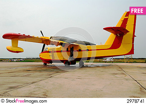 Free Water Bomber Stock Image - 2978741