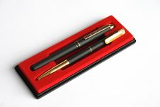 Free Two Black Pens Royalty Free Stock Photos - 2975388