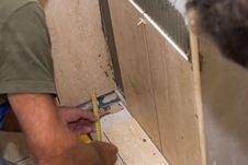 Free Tiles Installation On The Wall Stock Photos - 2976713