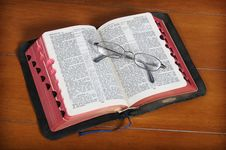 Free The Good Book Stock Photos - 2976913