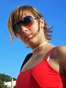 Free Girl With Sunglasses Royalty Free Stock Images - 2976999