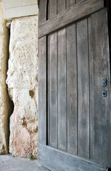 Free Closed Wooden Door Royalty Free Stock Photography - 2979117