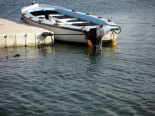 Free Small Boat Royalty Free Stock Photography - 2979707