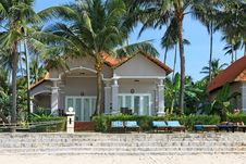 Free Houses In Tropical Resort Royalty Free Stock Photography - 29719627