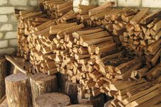Free Pile Of Firewood In Woodshed Royalty Free Stock Images - 29720049