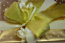 Free Golden Ribbon Stock Photography - 29725282