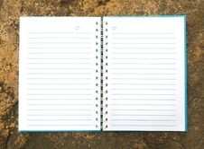 Free White Open Notebook On Rock Royalty Free Stock Photos - 29771268