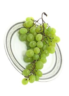 Free Grape On A Plate Isolated. Royalty Free Stock Image - 2982716