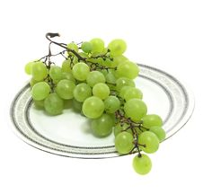 Free Grape On A Plate Isolated. Stock Photo - 2982720