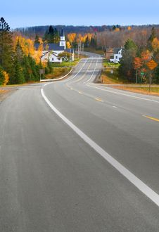 Free Scenic Autumn Drive Way Royalty Free Stock Images - 2983379