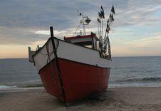 Free Fishing Boat Royalty Free Stock Photo - 2983835