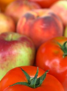 Free Colorful Vegetables And Fruit Royalty Free Stock Image - 2984586