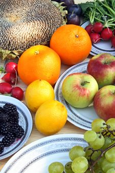 Free Colorful Vegetables And Fruit Stock Images - 2984704