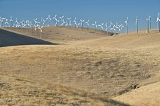 Free Windfarm On Hills Royalty Free Stock Photography - 2986397