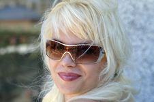 Free Lady In Sunglasses. Reflection Royalty Free Stock Photo - 2987965