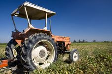 Free Traditional Farm Tractor Royalty Free Stock Photos - 2988388