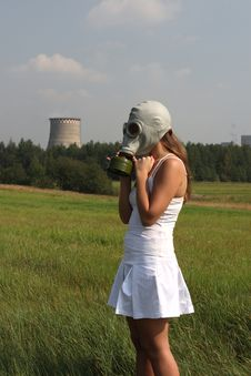 Girl In A Gas Mask Royalty Free Stock Images