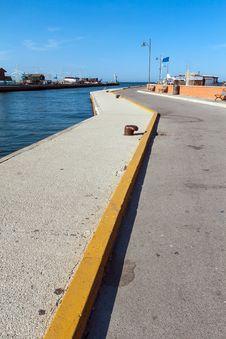 Free Harbor Of Cesenatico Stock Photo - 29819110