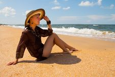 Free Girl On  Beach Royalty Free Stock Images - 29833779