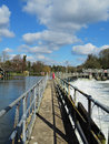 Free Weir And Sluice Gate On The River Thames Royalty Free Stock Photography - 29840417