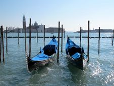 Free Gondolas In Venice And Isle Of San Giorgio Maggiore, Italy Royalty Free Stock Image - 29840796