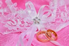Free Weeding Rings Royalty Free Stock Image - 29841356