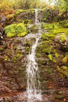 Free Little Waterfall Royalty Free Stock Image - 29849286