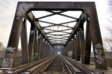 Free A Railway Bridge Over The Elbe Royalty Free Stock Photography - 29856667