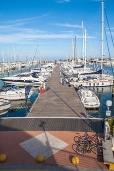 Free Port Of Rimini Royalty Free Stock Photography - 29893657