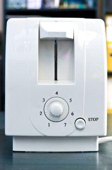 Free White Toaster Royalty Free Stock Photos - 29898348