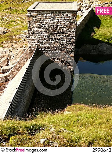 Free Dam And Water Reflection 2 Stock Photos - 2990643