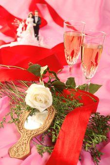 Free Wedding Cake Dolls, Rose Royalty Free Stock Images - 2990269