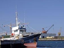 Free Fishing Boat On Dock Royalty Free Stock Photos - 2992168