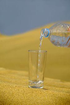 Free Fresh Water And Desert Stock Photo - 2993800